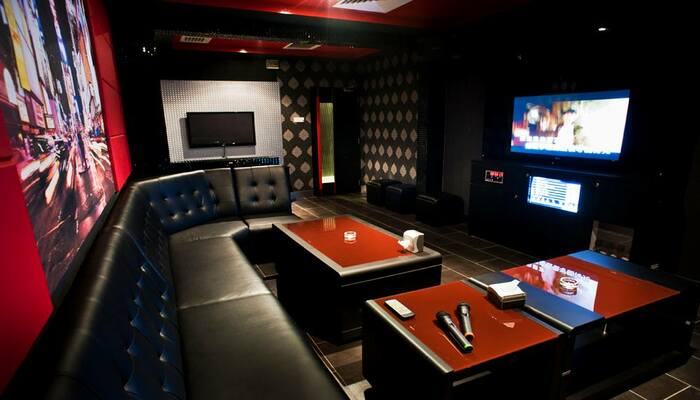 Top 5 Best Places for Karaoke KL with Family and Friends